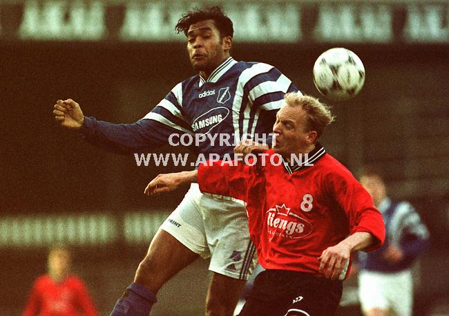 Apeldoorn,15-04-99  Foto:Koos Groenewold <br />voetbal AGOVV-Achilles `94