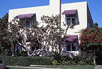 Irving Gill: George Kautz House, 1913. 7753 Draper, La Jolla. Photo Oct. 1999.