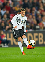 Mesut Oezil, GER 10 ,     <br /> ENGLAND - Germany 0-0<br /> Football: International Friendly, London, Great Britain, 10.11.2017<br /> <br />  *** Local Caption *** © pixathlon<br /> Contact: +49-40-22 63 02 60 , info@pixathlon.de