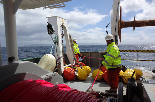 Deploying towed hydrophone from RV Celtic Voyager © Simon Berrow