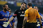 Juventus´s Gianluigi Buffon argues with the referee during the Champions League semi final soccer match between Real Madrid and Juventus at Santiago Bernabeu stadium in Madrid, Spain. May 13, 2015. (ALTERPHOTOS/Victor Blanco)