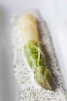 Europe/France/Provence-Alpes-Côte d'Azur/06/Alpes-Maritimes/ Eze-Village: Asperges recette de Phillipe Labbé du Restaurant: La Chèvre d'Or