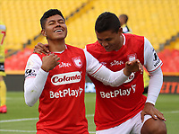 BOGOTA - COLOMBIA, 06-10-2020: Enrique Serje del Santa Fe celebra después de anotar el segundo gol de su equipo durante partido entre Independiente Santa Fe y Alianza Petrolera por la fecha 12 de la Liga BetPlay DIMAYOR I 2020 jugado en el estadio Nemesio Camacho El Campín de la ciudad de Bogotá. / Enrique Serje of Santa Fe celebrates after scoring the second goal of his team during match between Independiente Santa Fe and Alianza Petrolera for the date 12 as part of BetPlay DIMAYOR League I 2020 played at Nemesio Camacho El Campín stadium in Bogota city. Photo: VizzorImage / Santiago Cortes / Cont