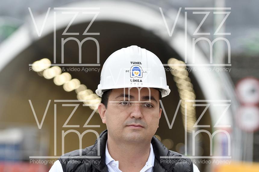 """LA LINEA - COLOMBIA, 29-08-2020: Juan Esteban Gil director del Invias durante visita al complejo de túneles. El túnel principal """"La Línea"""" tiene una longitud de  8,65 km y hace parte de El Túnel de La Línea el proyecto de infraestructura vial más importante de Colombia que está es fase final de construcción conectará de manera eficiente los departamentos colombianos de Quindío y Tolima. El plan además consta de 24 puentes y 20 túneles de diferentes longitudes. / Juan Esteban Gil director of Invias during visit to the tunnel complex. The main tunnel """"La Línea"""" has a length of 8.65 km and is part of El Túnel de La Línea, the most important road infrastructure project in Colombia, which is in the final phase of construction and will efficiently connect the Colombian departments of Quindío and Tolima. The plan also consists of 24 bridges and 20 tunnels of different lengths. Photo: VizzorImage / Gabriel Aponte / Staff"""