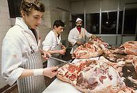 - Milano, CFP ( Centro di Formazione Professionale ) per macellai presso il Macello Comunale....- Milan, CFP (Center for Professional Education) for butchers at the Municipal Slaughterhouse