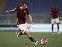Calcio, Serie A: Roma vs Bologna. Roma, stadio Olimpico, 11 aprile 2016.<br /> Roma's Alessandro Florenzi in action during the Italian Serie A football match between Roma and Bologna at Rome's Olympic stadium, 11 April 2016.<br /> UPDATE IMAGES PRESS/Isabella Bonotto