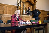 Prozess gegen die 92jaehrige Holocaust-Leugnerin Ursula Haverbeck wegen Volksverhetzung am Dienstag den 17. November 2020 in Berlin vor dem Amtsgericht Tiergarten. Sie hatte im Maerz 2018 in einem im Internet veroeffentlichten Interview wiederholt den Holocaust geleugnet. <br /> Die bereits mehrfach wegen Holocaustleugnung und Volksverhetzung verurteilte Haverbeck wurde von einschlaegig bekannten Nazis zum Prozess begleitet.<br /> Ihr Rechtsbeistand ist der rechtsextreme Szeneanwalt Wolfram Nahrath.<br /> 17.11.2020, Berlin<br /> Copyright: Christian-Ditsch.de