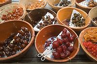 Europe/France/Provence-Alpes-Côte d'Azur/06/Alpes-Maritimes/Nice:  Etal de fruits confits chez le Confiseur : Auer