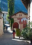 Italy; Alto Adige - Trentino (South Tyrol); Montagna district Pinzano: above Ora at Valle dell'Adige, village centre | Italien; Suedtirol; Montan, Ortsteil Pinzon: oberhalb von Auer im Etschtal, Dorfzentrum