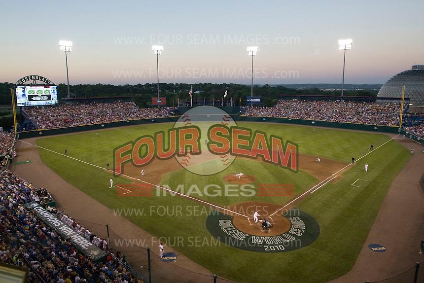 The final College World Series game at Johnny Rosenblatt Stadium in Omaha, Nebraska.  (Photo by Andrew Woolley / Four Seam Images)