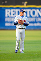 Tennessee Smokies second baseman Ronald Torreyes #2 before a game against the Huntsville Stars on April 16, 2013 at Joe W Davis Municipal Stadium in Huntsville, Alabama.  Tennessee defeated Huntsville 4-3.  (Mike Janes/Four Seam Images)
