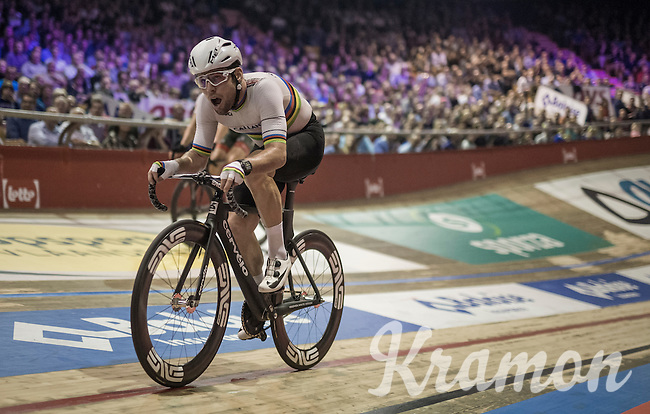 Mark Cavendish (GBR/DimensionData) pushing for the win<br /> <br /> 2016 Gent 6<br /> day 6