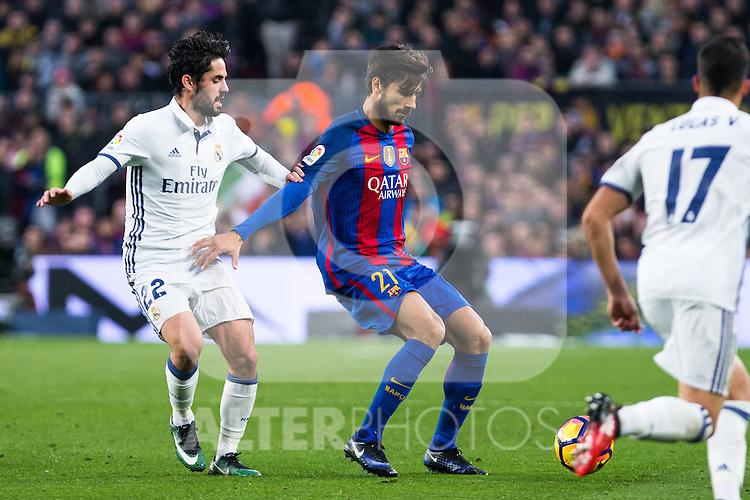 Real Madrid's Isco Alarcon, FC Barcelona's Andre Gomes  during spanish La Liga match between Futbol Club Barcelona and Real Madrid  at Camp Nou Stadium in Barcelona , Spain. Decembe r03, 2016. (ALTERPHOTOS/Rodrigo Jimenez)