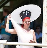 The world's largest hat, Atlanta Steeplechase.