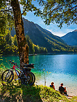 Oesterreich, Oberoesterreich, Salzkammergut: der Vordere Langbathsee -  beliebter Badesee und Ausflugsziel | Austria, Upper Austria, Salzkammergut: Vorderer Langbathsee - popular swimming lake and place of excursions