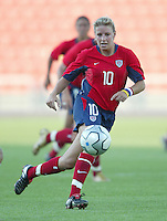 14 August 2004:  USA Aly Wagner in action against Brazil  at Kaftanzoglio Stadium in Thessaloniki, Greece.   USA defeated Brazil, 2-0. Credit: Michael Pimentel / ISI