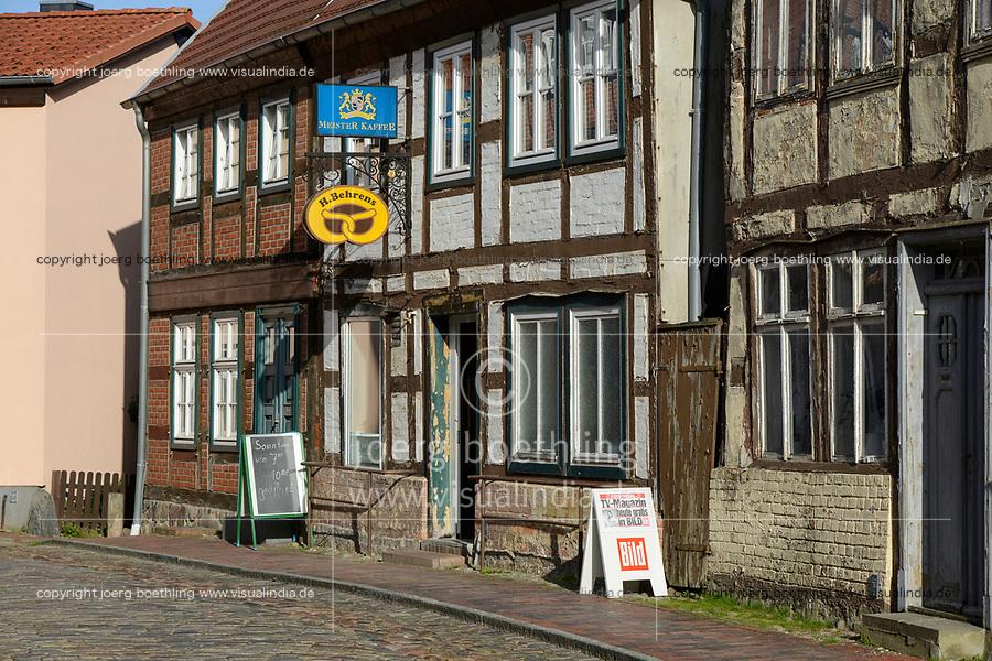 GERMANY, bakery  / DEUTSCHLAND, Mecklenburg-Vorpommern, Plau, Landbaeckerei