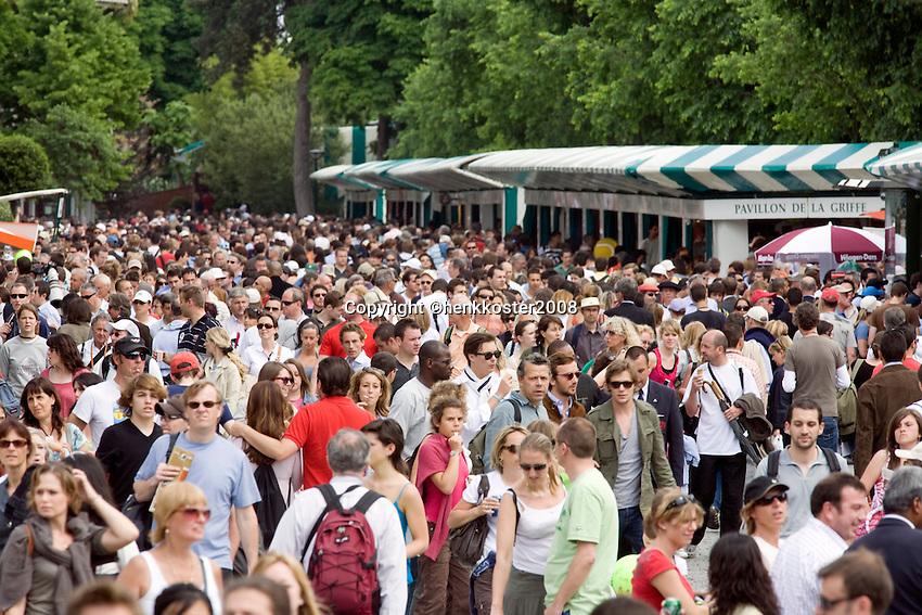 25-5-08, France,Paris, Tennis, Roland Garros, The crowd on day one!!