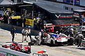 #7 Acura Team Penske Acura DPi, P: Helio Castroneves, Ricky Taylor, pit stop