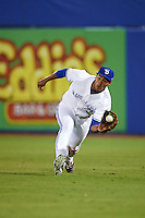 Dunedin Blue Jays right fielder Derrick Loveless (14) during a game against the Palm Beach Cardinals on April 15, 2016 at Florida Auto Exchange Stadium in Dunedin, Florida.  Dunedin defeated Palm Beach 8-7 in ten innings.  (Mike Janes/Four Seam Images)