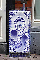 Nederland - Amsterdam - Juli 2020. Red Light District. Graffiti van Hugo Kaagman. Foto ANP / Hollandse Hoogte / Berlinda van Dam