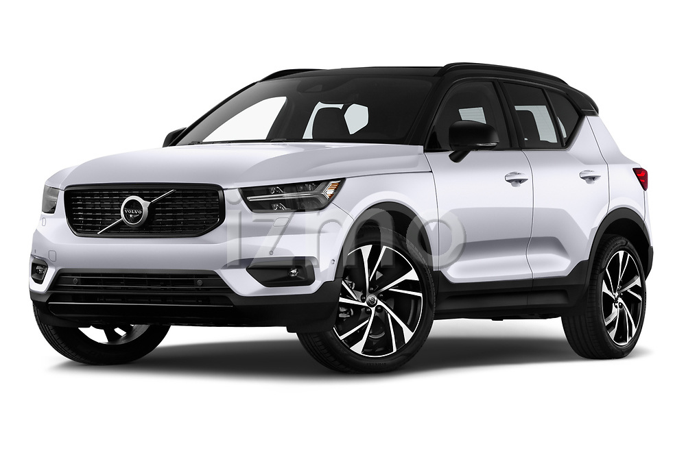 Stock pictures of low aggressive front three quarter view of 2019 Volvo XC40 R-Design 5 Door SUV Low Aggressive