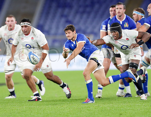 31st October 2020, Olimpico Stadium, Rome, Italy; Six Nations International Rugby Union, Italy versus England;  Marcello Violi (Italy) passes along his line as Maro Itoje (England) reaches in