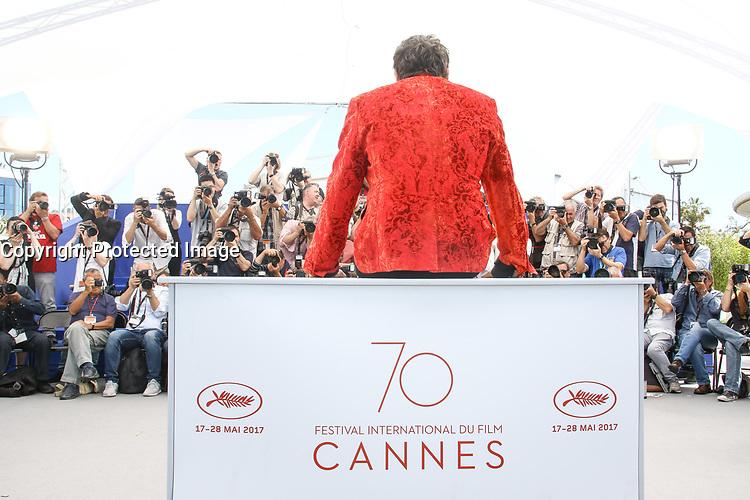 Matthieu CHEDID - M - en photocall pour le film VISAGES, VILLAGES hors competition lors du soixante-dixiËme (70Ëme) Festival du Film ‡ Cannes, Palais des Festivals et des Congres, Cannes, Sud de la France, vendredi 19 mai 2017. Philippe FARJON / VISUAL Press Agency