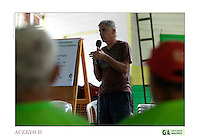 Criado o primeiro  protocolo comunitario na Amazônia estabelecendo relações comerciais com base nas leis ambientais de acordo a convencao da diversidade biologica, (A Convenção sobre Diversidade Biológica (CDB) é um tratado da Organização das Nações Unidas e um dos mais importantes instrumentos internacionais relacionados ao meio ambiente) . e o  protocolo de Nagoya ratificado em  2010.<br /> <br /> <br /> <br /> Articulado pelo  Grupo do Trabalho Amazônico – Rede GTA,   em parceria com a Regional GTA/Amapá,  Conselho Comunitário do Bailique, Colônia de Pescadores Z-5, IEF,  CGEN/DPG/SBF/MMA,   lideranças comunitárias se reuniram com representantes  do Ministério do Meio Ambiente, Ministério Público Federal, Embrapa e Conab para para debater os caminhos a seguir pondo em prática o o primeiro protocolo comunitário criado na Amazônia. O  chamado de III Encontrão,  aconteceu durante os dias 26, 27 e 28 de fevereiro na comunidade de São João Batista no arquipélago do Bailique  reunindo 78 lideranças  de 25 comunidades<br /> Amapá, Brasil.<br /> Foto Paulo Santos de <br /> 24/02 a 01/03 2015