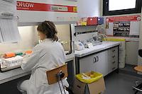 - Università di Milano, dipartimento di Sanità Pubblica, Microbiologia e Virologia, laboratorio di virologia<br /> <br /> - University of Milan, Department of Public Health, Microbiology and Virology, Laboratory of Virology