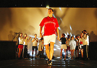 20040217, Rotterdam, ABNAMRO WTT,Modeshow met Riochard Krajicek
