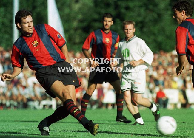 Bennekom,27-07-99  Foto:Koos Groenewold (APA)<br />Litmanen liet in de eerste helft zien waarom hij is aangekocht door Barcelona:hij scoorde in 12 minuten maar liefst 5 keer.
