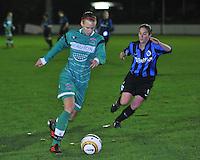 Club Brugge Vrouwen - OHL Dames : Lore Vanschoenwinkel (links) met Lore Dezeure (rechts)<br /> foto David Catry / nikonpro.be