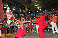 SAO PAULO, SP, 09 DE DEZEMBRO DE 2011, Integrantes da X9 Paulistana, no LANÇAMENTO DO CD DA LIGA DAS ESCOLAS DE SAMBA 2012 na quadra da Escola de Samba Rosas de Ouro, zona norte de SP.  (FOTO: MILENE CARDOSO / NEWS FREE)