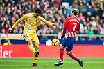 Juan Pedro Ramirez Lopez, Juanpe (L), of Girona FC competes for the ball with Antoine Griezmann of Atletico de Madrid during the La Liga 2017-18 match between Atletico de Madrid and Girona FC at Wanda Metropolitano on 20 January 2018 in Madrid, Spain. Photo by Diego Gonzalez / Power Sport Images
