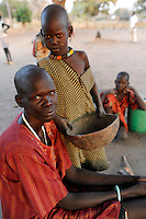 "Afrika Suedsudan Rumbek , Cuibet County , Dinka Familie im Dorf | .Africa South Sudan Rumbek , Dinka women and children in village  .| [ copyright (c) Joerg Boethling / agenda , Veroeffentlichung nur gegen Honorar und Belegexemplar an / publication only with royalties and copy to:  agenda PG   Rothestr. 66   Germany D-22765 Hamburg   ph. ++49 40 391 907 14   e-mail: boethling@agenda-fototext.de   www.agenda-fototext.de   Bank: Hamburger Sparkasse  BLZ 200 505 50  Kto. 1281 120 178   IBAN: DE96 2005 0550 1281 1201 78   BIC: ""HASPDEHH"" ,  WEITERE MOTIVE ZU DIESEM THEMA SIND VORHANDEN!! MORE PICTURES ON THIS SUBJECT AVAILABLE!! ] [#0,26,121#]"