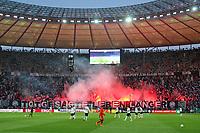 19.05.2018, Football DFB-Pokal Finale 2018, FC Bayern Muenchen - Eintracht Frankfurt, Olympiastadium in Berlin. Pyro fans of  of  Eintracht Frankfurt *** Local Caption *** © pixathlon<br /> <br /> Contact: +49-40-22 63 02 60 , info@pixathlon.de