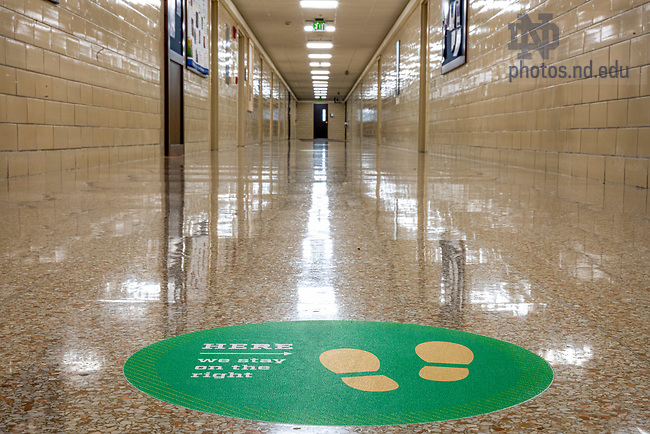November 20, 2020; Empty hallway in O'Shaughnessy at the end of the Fall 2020 semester. (Photo by Matt Cashore/University of Notre Dame)