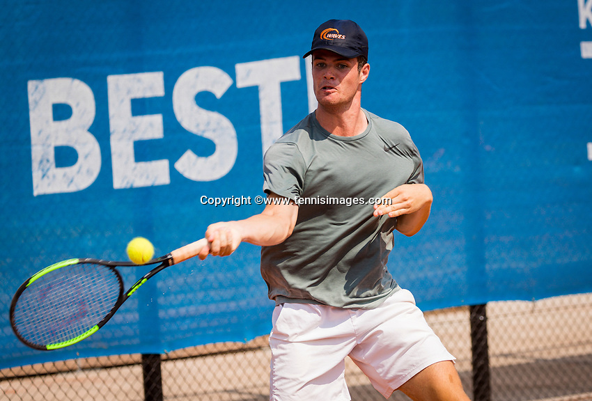 Amstelveen, Netherlands, 13 August 2020, NTC, National Tennis Center, KNLTB Wilcard Tournament,  Daniel de Jonge (NED)<br /> Photo: Henk Koster/tennisimages.com