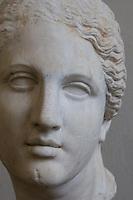 Germania Berlino 2007  Pergamon Museum<br /> testa femminile arte greca