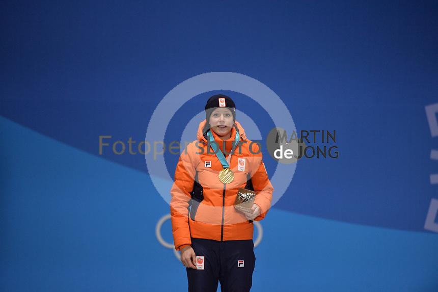 OLYMPIC GAMES: PYEONGCHANG: 15-02-2018, Medals Plaza, Victories Ceremony, Podium 1000m Ladies Long Track Speed Skating, Jorien ter Mors (NED), ©photo Martin de Jong