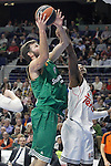 Real Madrid's Marcus Slaughter (r) and Panathinaikos Athens' Antonis Fotsis during Euroleague match.January 22,2015. (ALTERPHOTOS/Acero)
