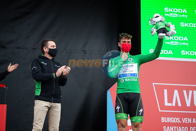 Green Jersey Fabio Jakobsen (NED) Deceuninck-Quick-Step at sign on before Stage 18 of La Vuelta d'Espana 2021, running 162.6km from Salas to Alto del Gamoniteiru, Spain. 2nd September 2021.   <br /> Picture: Cxcling | Cyclefile<br /> <br /> All photos usage must carry mandatory copyright credit (© Cyclefile | Cxcling)