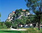 Deutschland, Bayern, Franken, Fraenkische Schweiz bei Pottenstein   Germany, Bavaria, Franconia, The Little Switzerland in Upper Franconia, Pottenstein: residential buildings