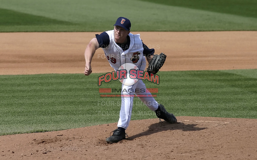 April 18, 2004:  Scott Roehl of the Lake County Captains, Low-A South Atlantic League affiliate of the Cleveland Indians, during a game at Classic Park in Eastlake, OH.  Photo by:  Mike Janes/Four Seam Images