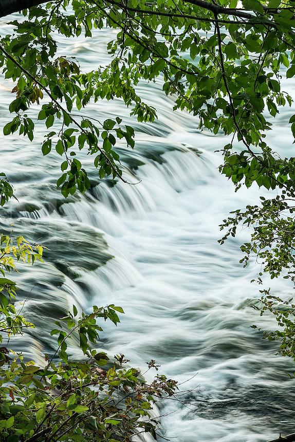 Waterfall, Niagara River, Niagara Falls, New York, USA.