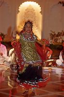 Asie/Inde/ Rajasthan/ Udaipur: Danses traditionnelles du Rajasthan à l'Hotel Taj Lake Palace sur le lac Pichola