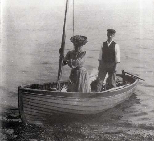 Molly and Erskine Childers with Asgard's dinghy during a Baltic cruise in the early years of their marriage