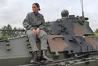 """- Italian Army, woman driver of an infantry armoured fighting vehicle VCC 80 """"Dardo""""....- Esercito Italiano, conduttrice donna di un veicolo corazzato da combattimento per fanteria VCC 80 """"Dardo""""...."""
