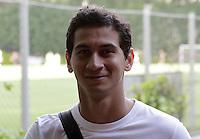 ATENCAO EDITOR: FOTO EMBARGADA PARA VEICULOS INTERNACIONAIS - SAO PAULO, SP, 15 DE NOVEMBRO 2012 - TREINO SAO PAULO - O jogador Ganso durante treino no CT da Barra Funda, na tarde dessa quinta, 15. Treino valido pela 35 rodada em confronto com o Nautico, neste domingo, 18, no estadio do Morumbi   - FOTO LOLA OLIVEIRA - BRAZIL PHOTO PRESS